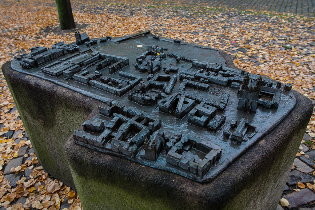 Foto: Bronzemodell der Magdeburger Innenstadt aus der Vogelperspektive